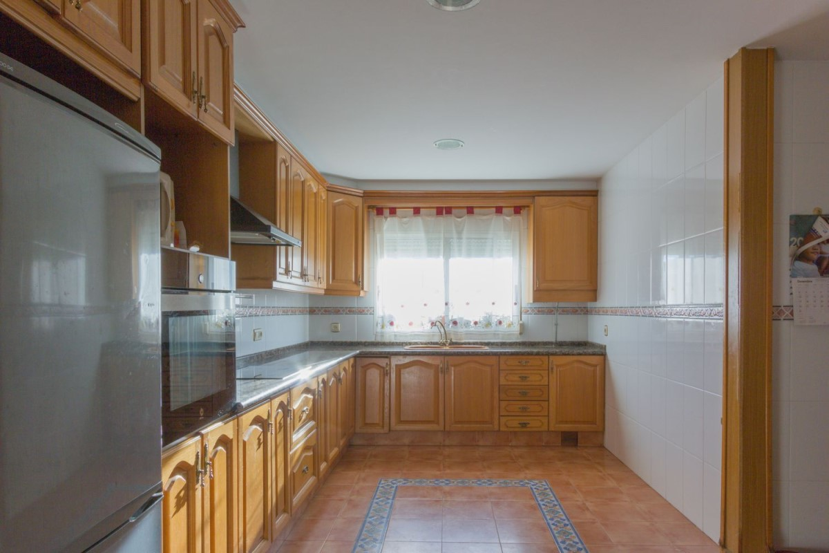 Terraced House  For Sale in  Manises