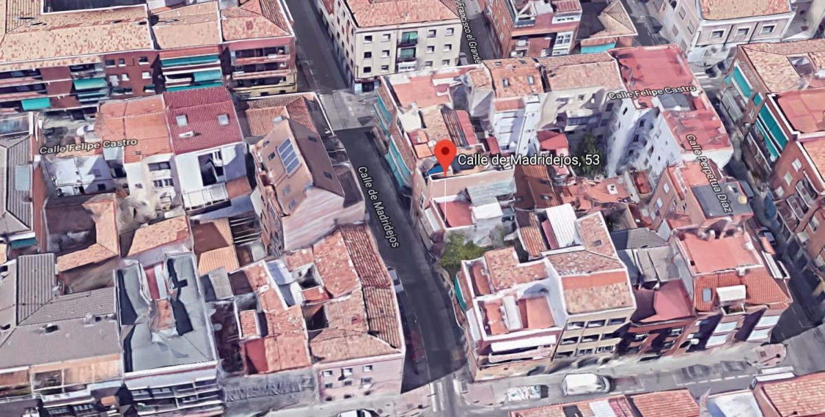 Housing Block  For Sale in Usera, Madrid