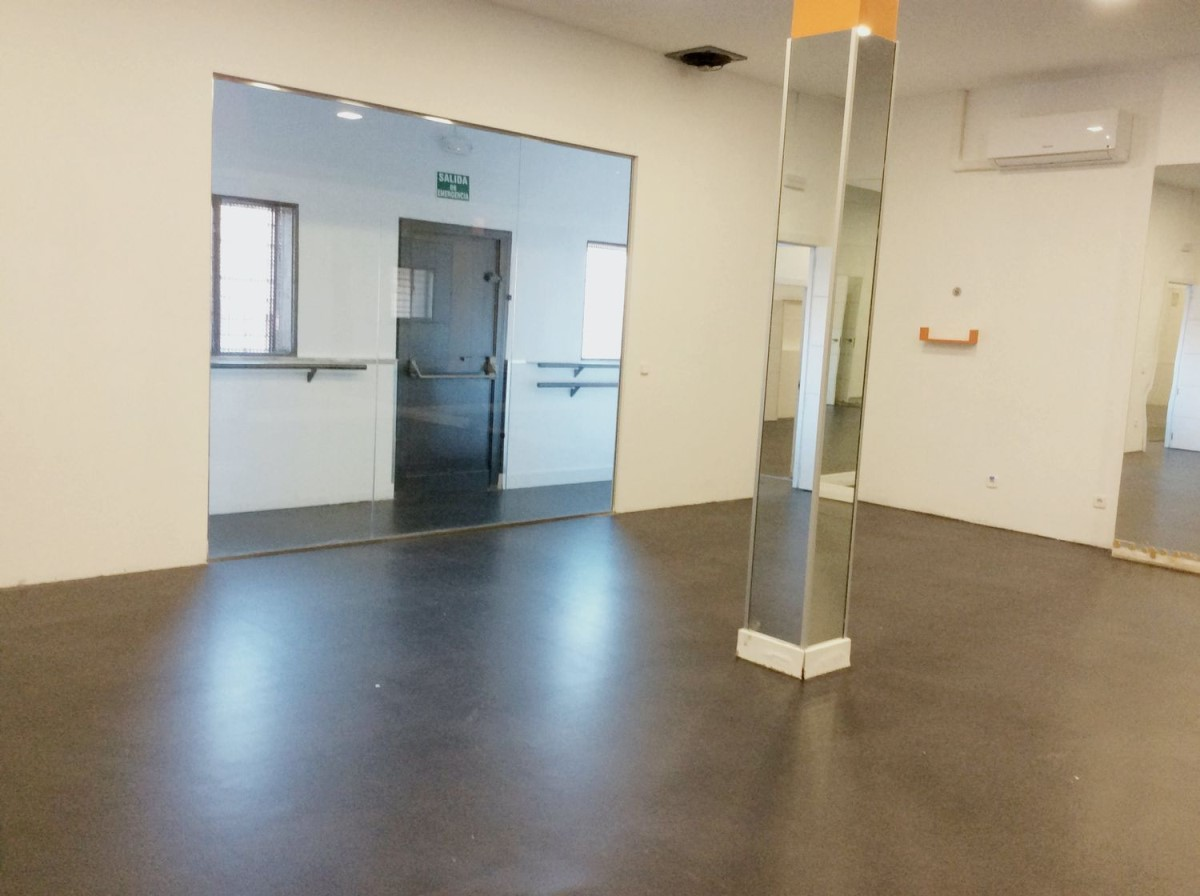 Retail premises  For Sale in  Fuenlabrada