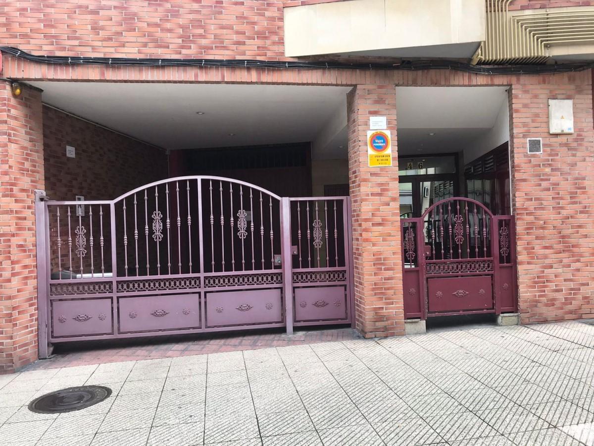 Garaje en Venta en Pontón De Vaqueros, Oviedo