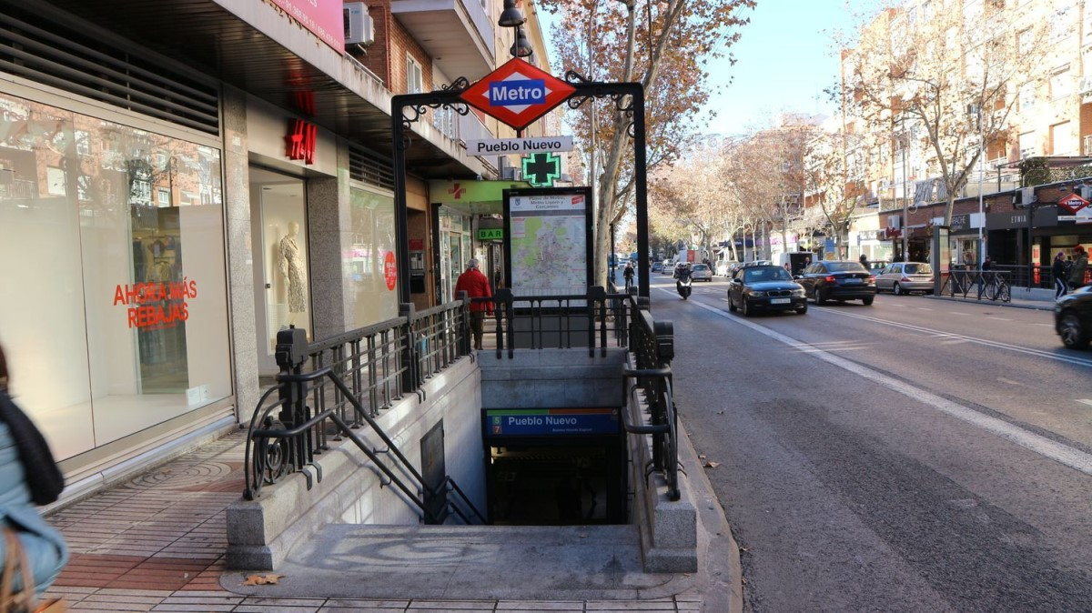 Retail premises  For Sale in Ciudad Lineal, Madrid
