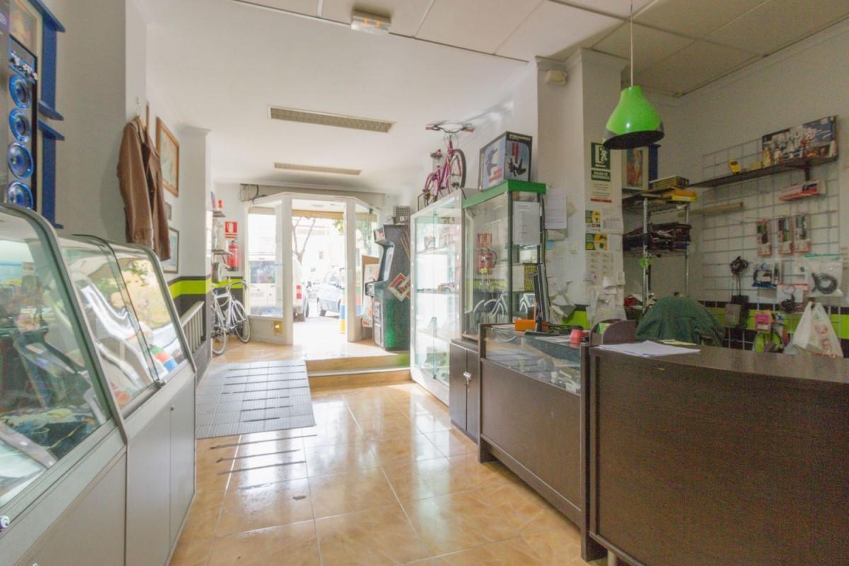 Retail premises  For Rent in Algirós, València