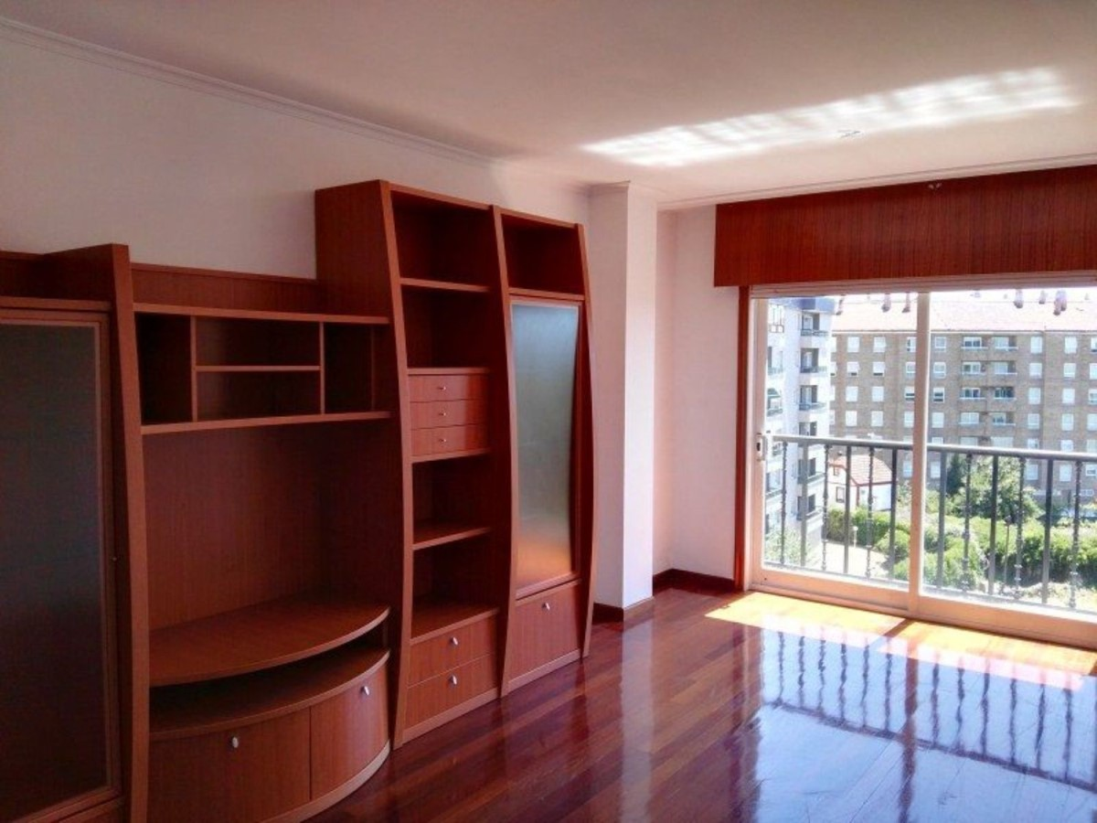 Apartment  For Sale in  Ponteareas