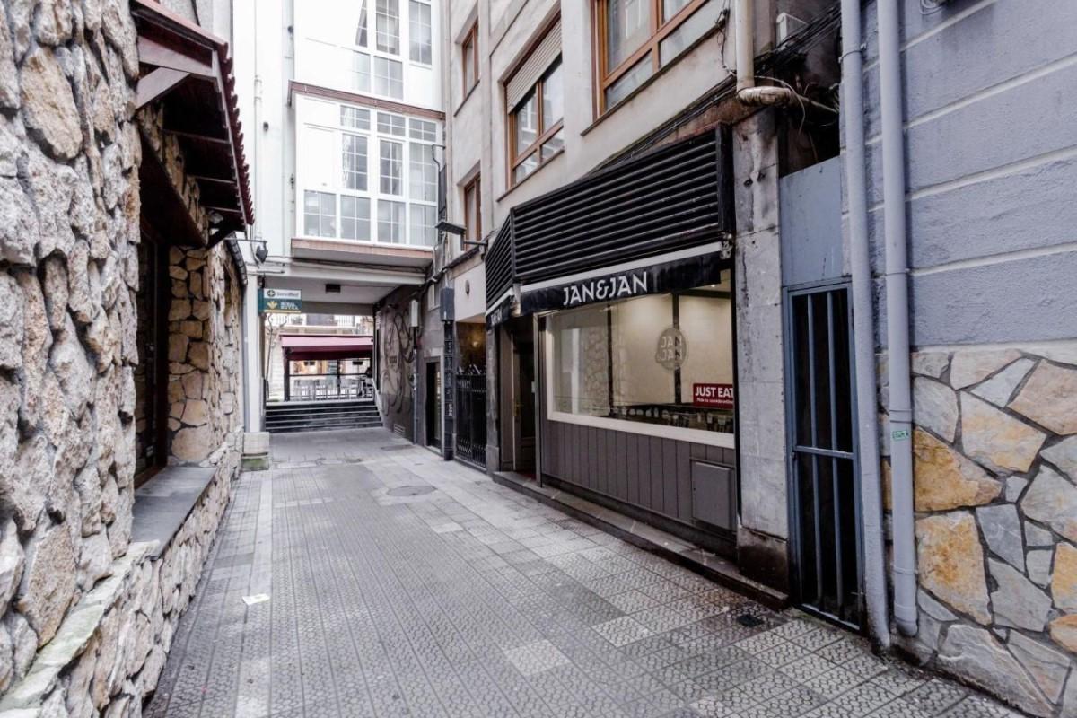 Local Comercial en Venta en Las Arenas, Getxo