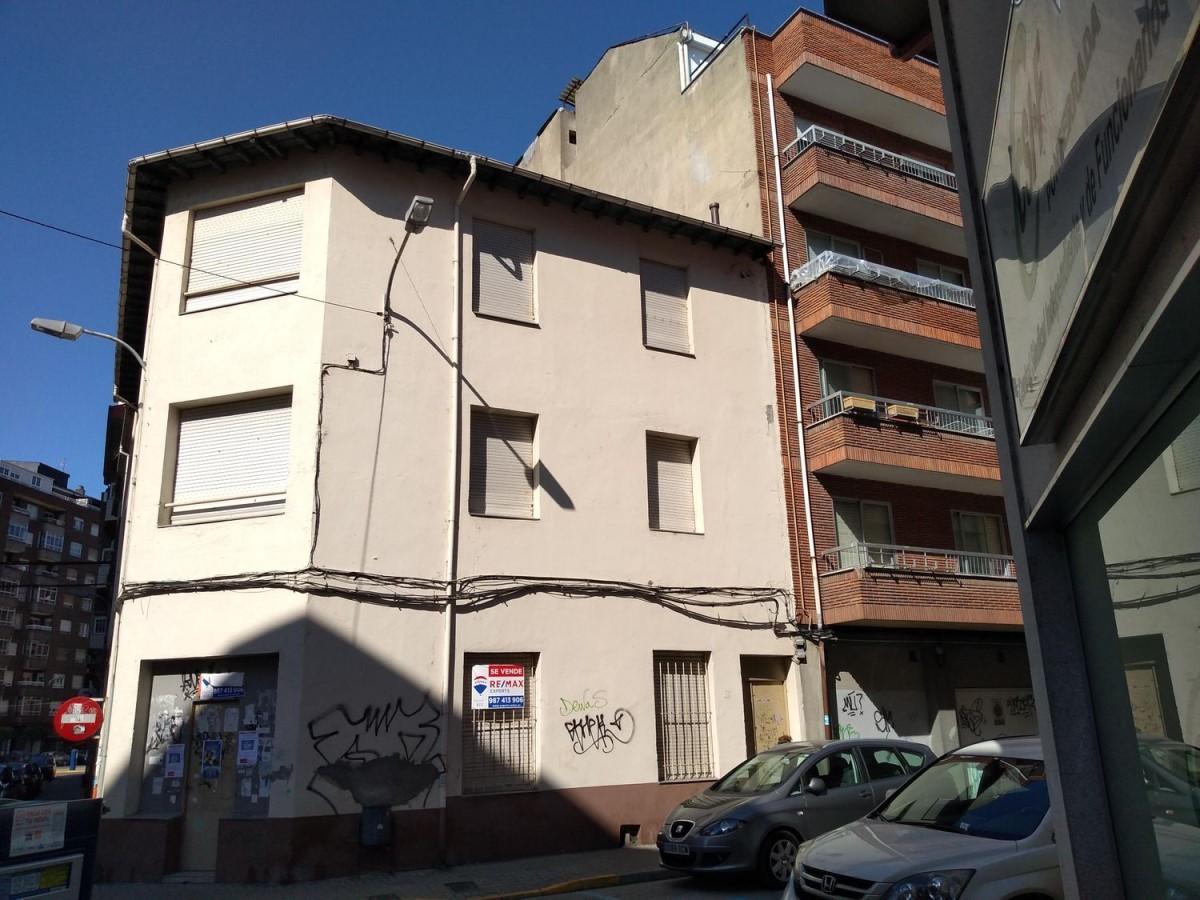 Edificio de Viviendas en Venta en  Ponferrada