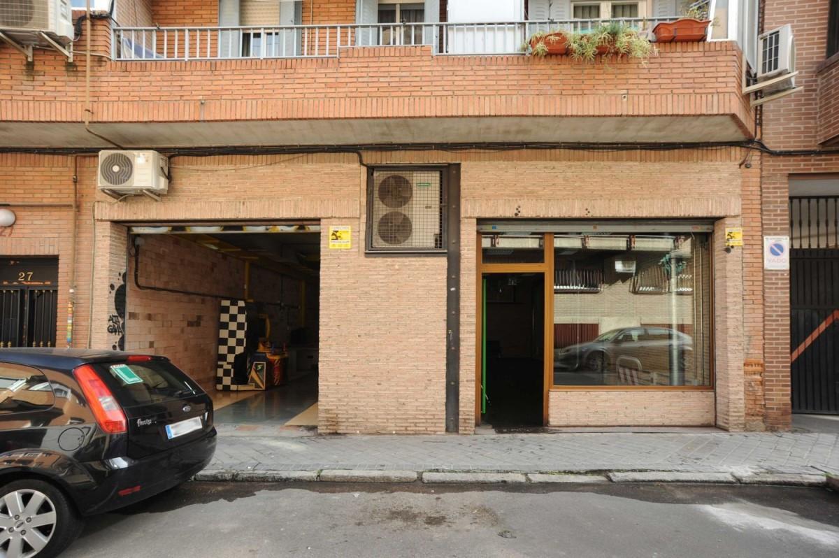 Local Comercial en Alquiler en Puente De Vallecas, Madrid