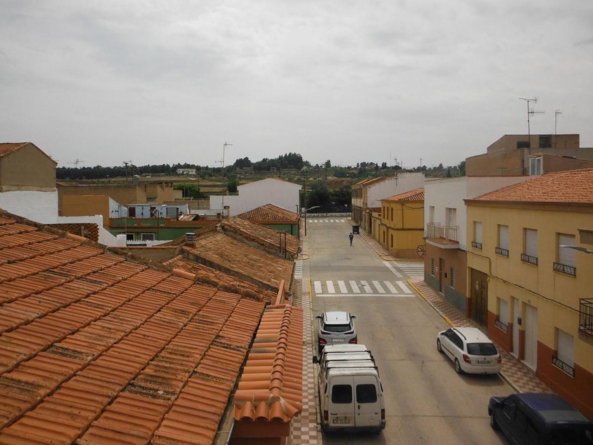 Chalet Adosado en Venta en  Almansa