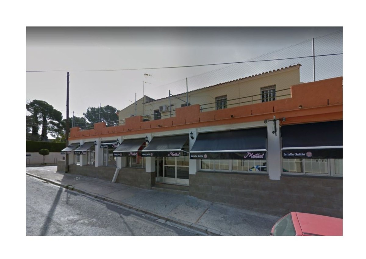 Retail premises  For Rent in  Eliana, L´