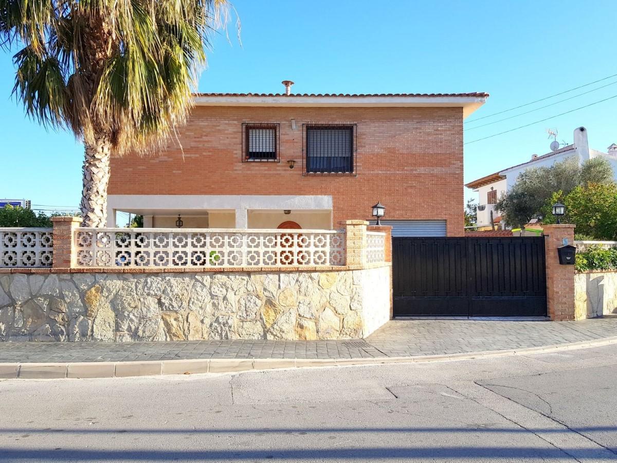 Chalet en Venta en  San Juan de Alicante