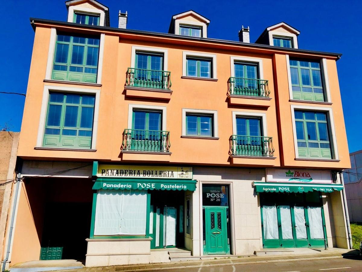 Edificio de Viviendas en Venta en  Coristanco