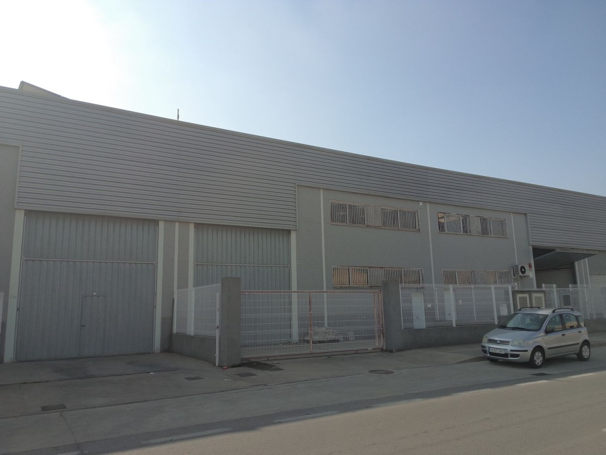 Nave Industrial en Venta en  Torrent