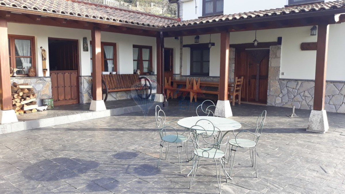 Chalet en Venta en Porceyo - Bernueces, Gijón