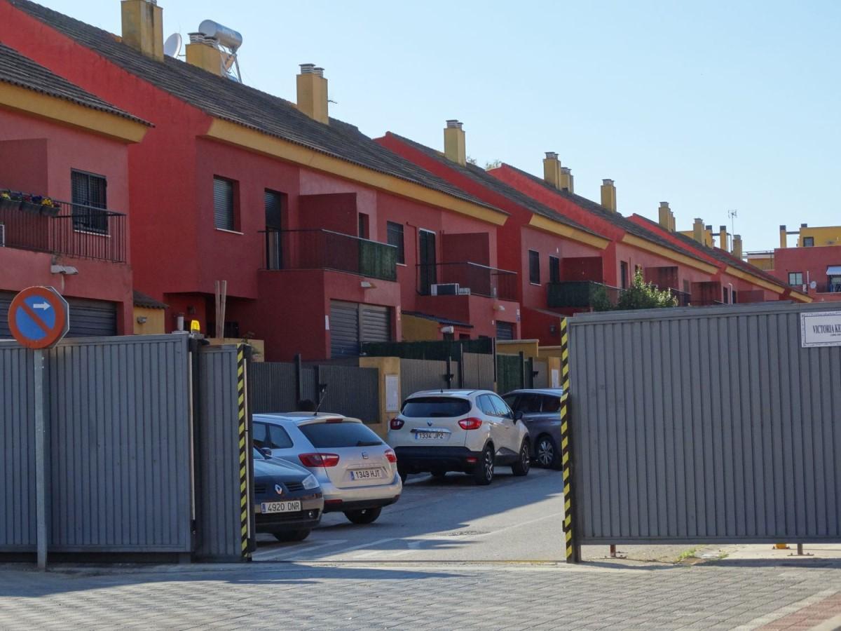 Chalet Adosado en Venta en  Alcalá de Guadaira