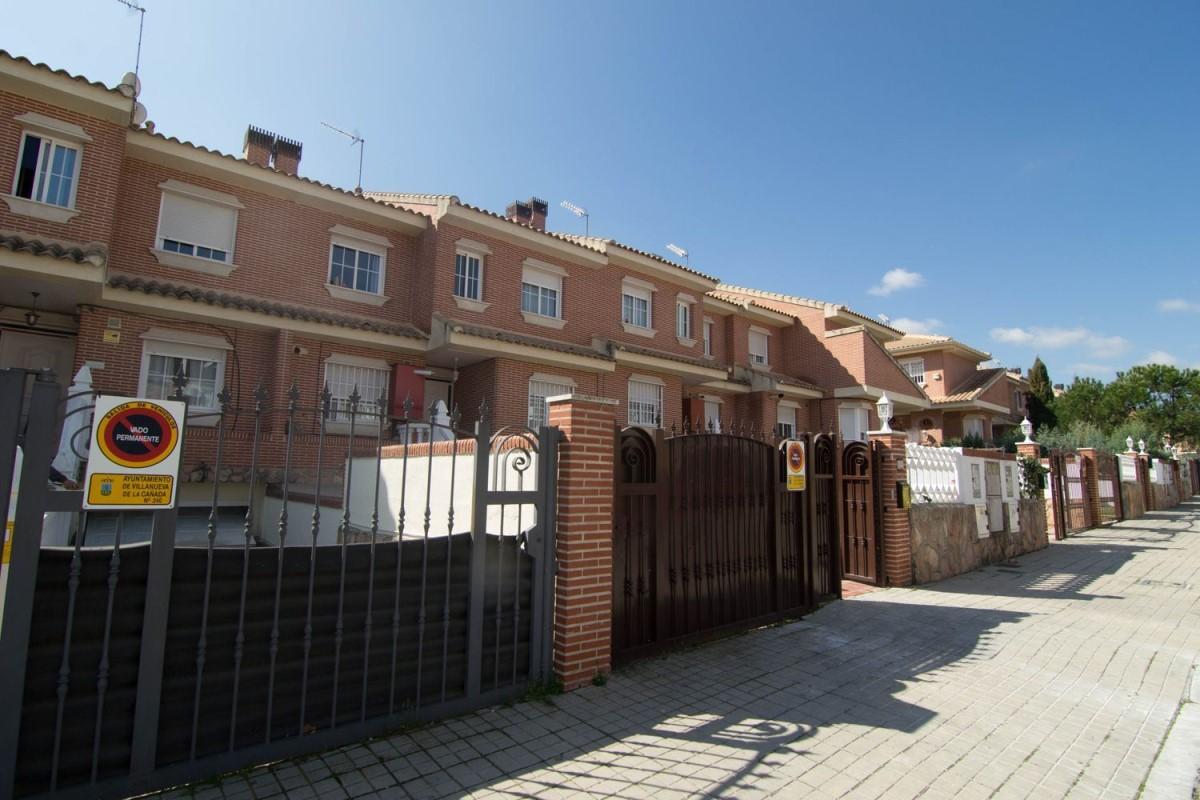 Chalet Adosado en Venta en  Villanueva de la Cañada