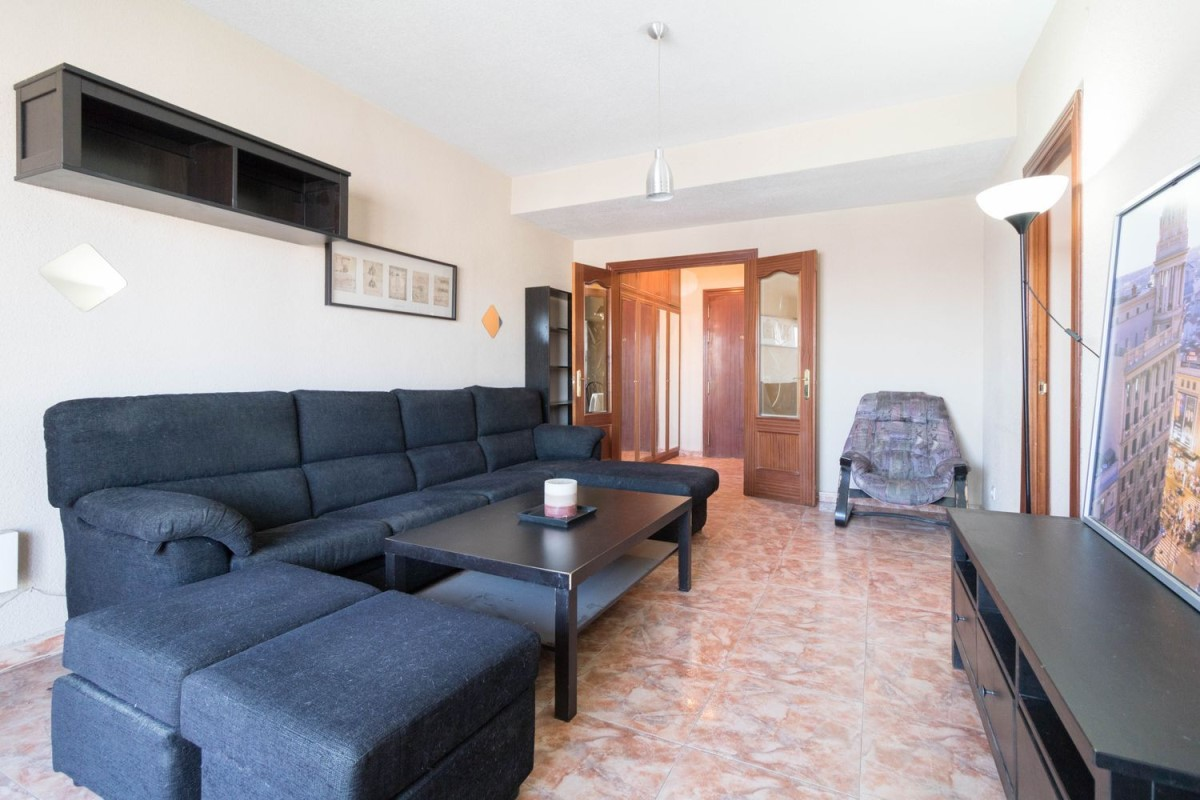 Apartment  For Sale in Moratalaz, Madrid