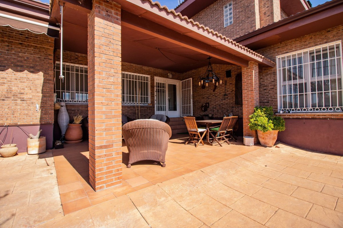 House  For Sale in  Casar, El