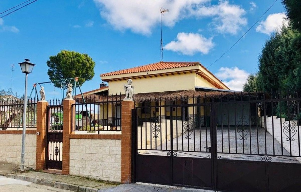 House  For Sale in  Toledo