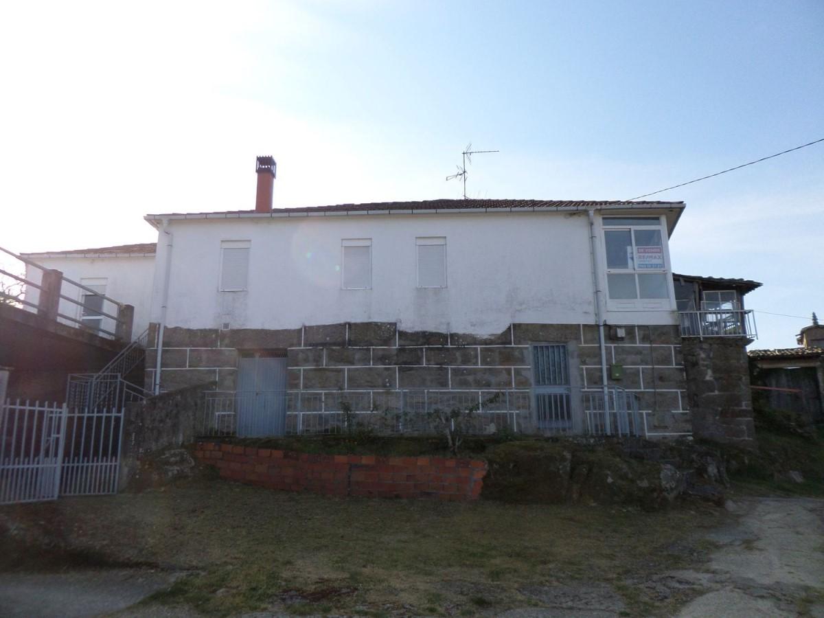 Casa Rural en Venta en  nogueira de ramuin
