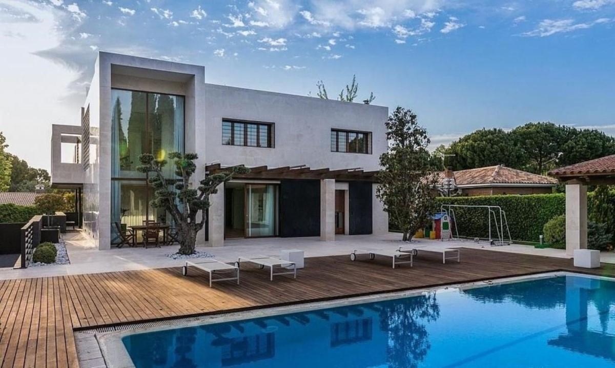 House  For Sale in  Villaviciosa de Odón