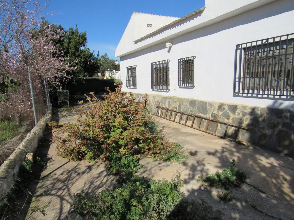 House  For Sale in  Cheste