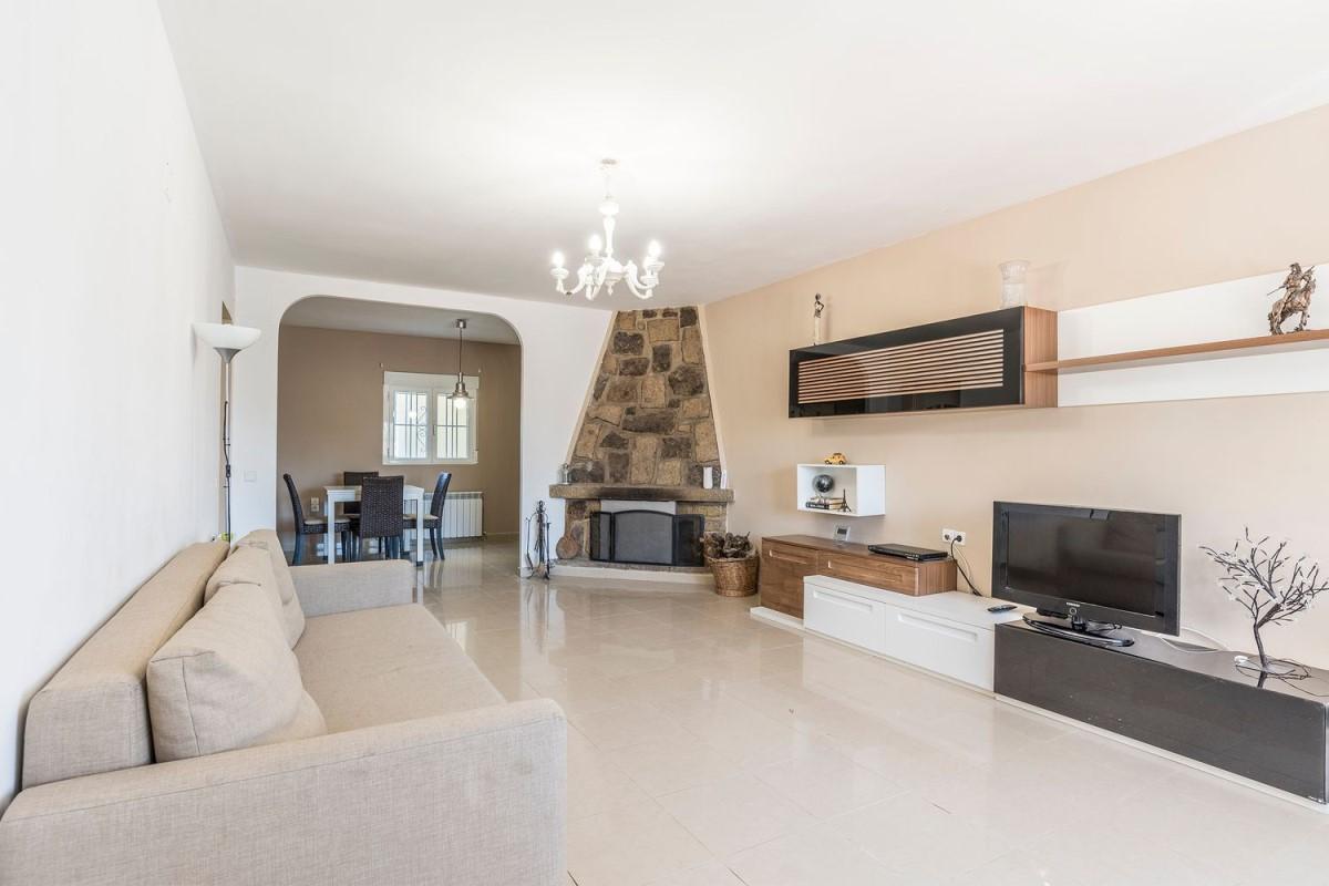 Terraced House  For Sale in  Villamiel de Toledo