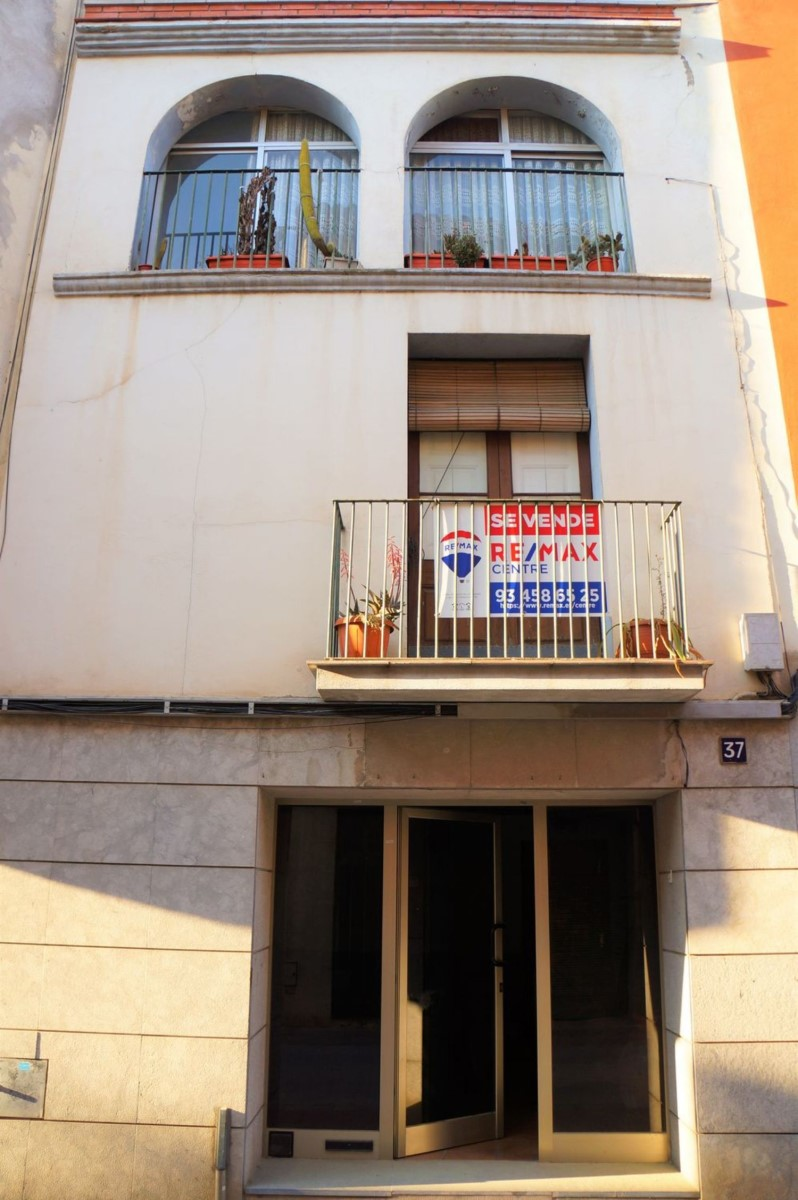 Edificio de Viviendas en Venta en  Martorell