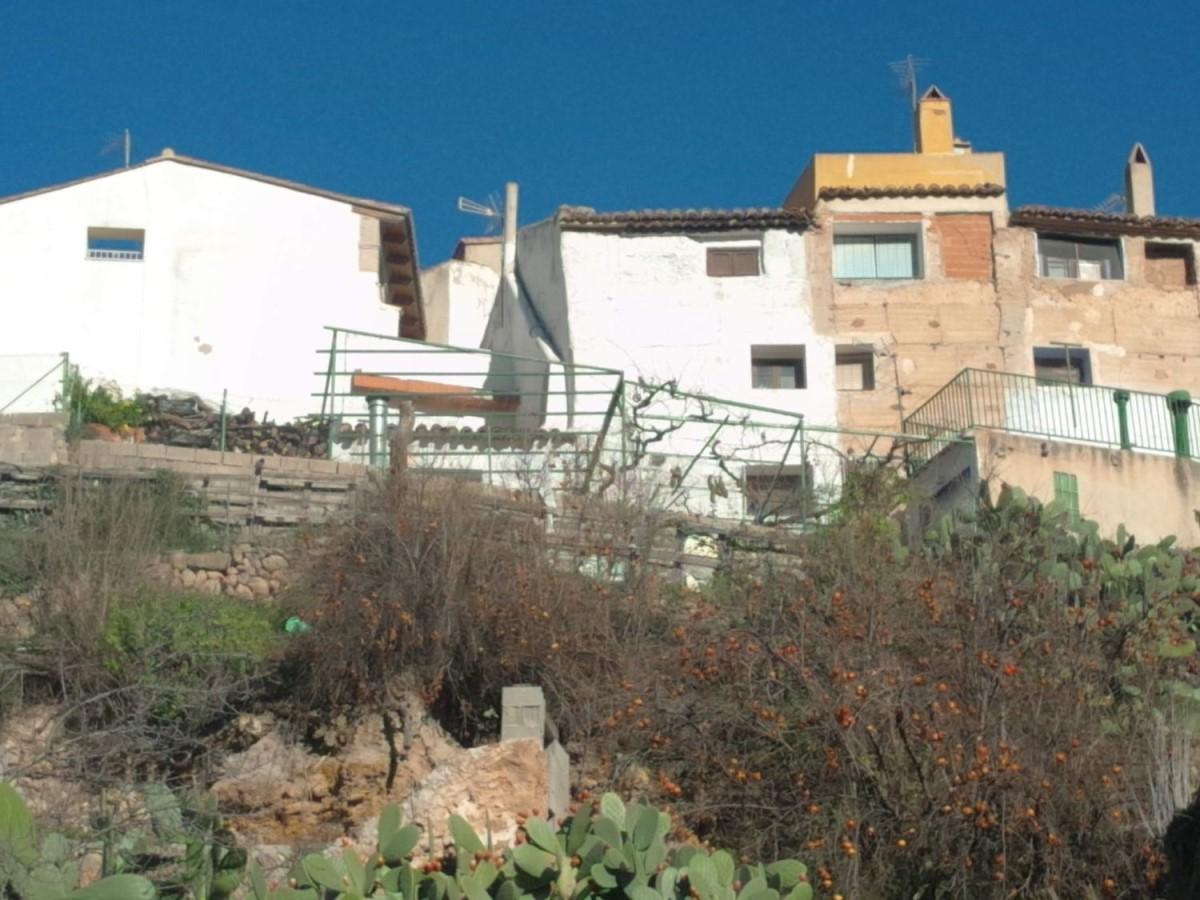 Chalet Adosado en Venta en  Chelva