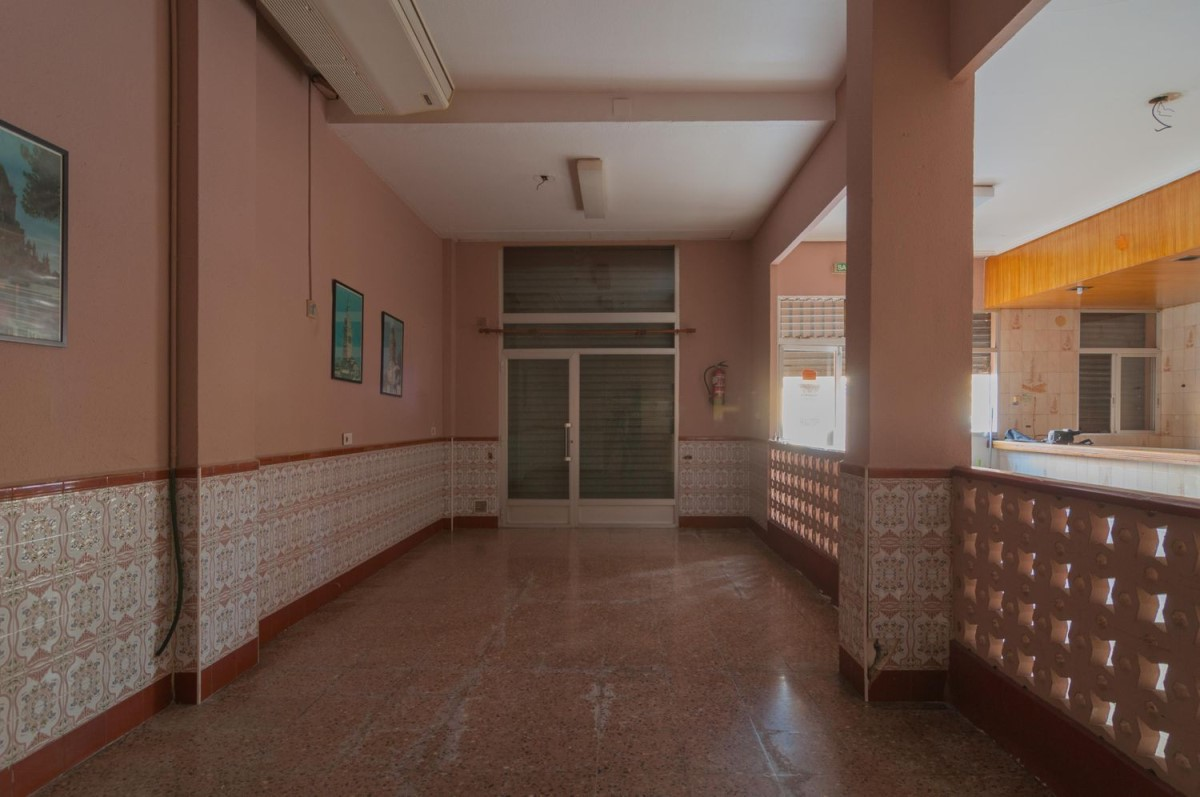 Retail premises  For Rent in Poblats Marítims, València
