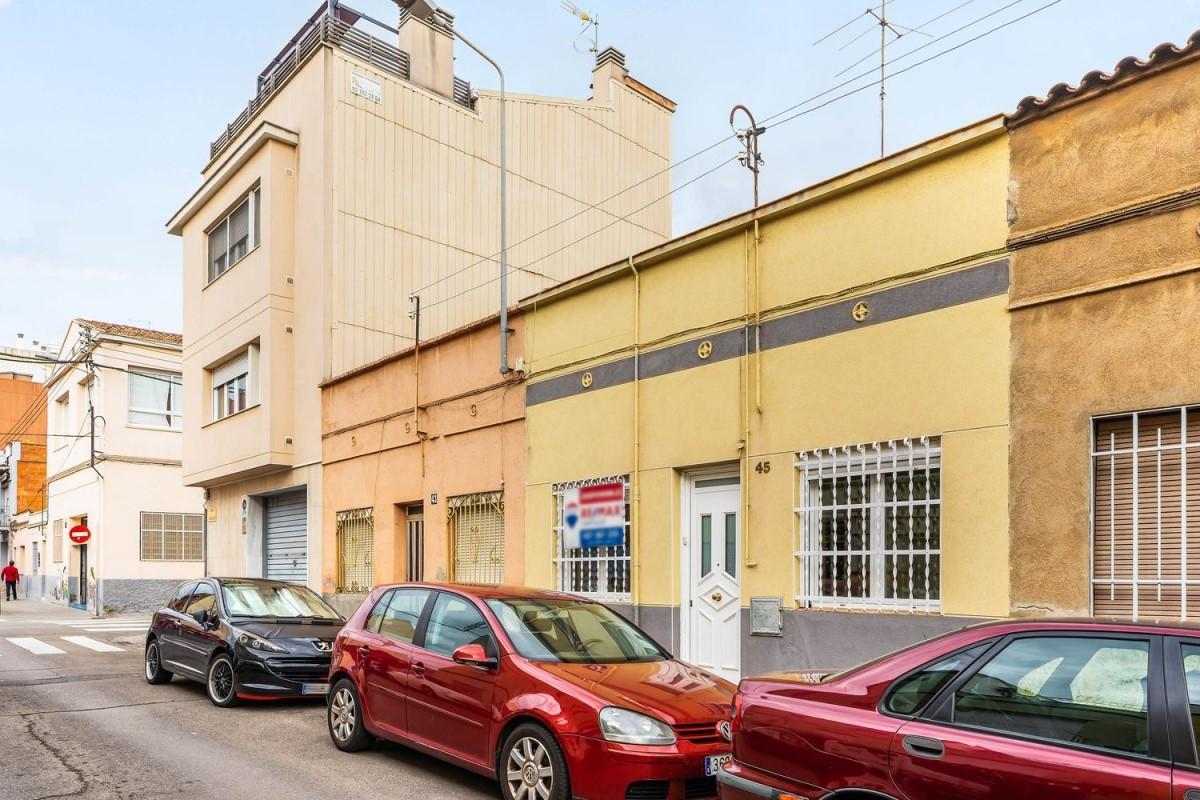 Chalet Adosado en Venta en  Sabadell