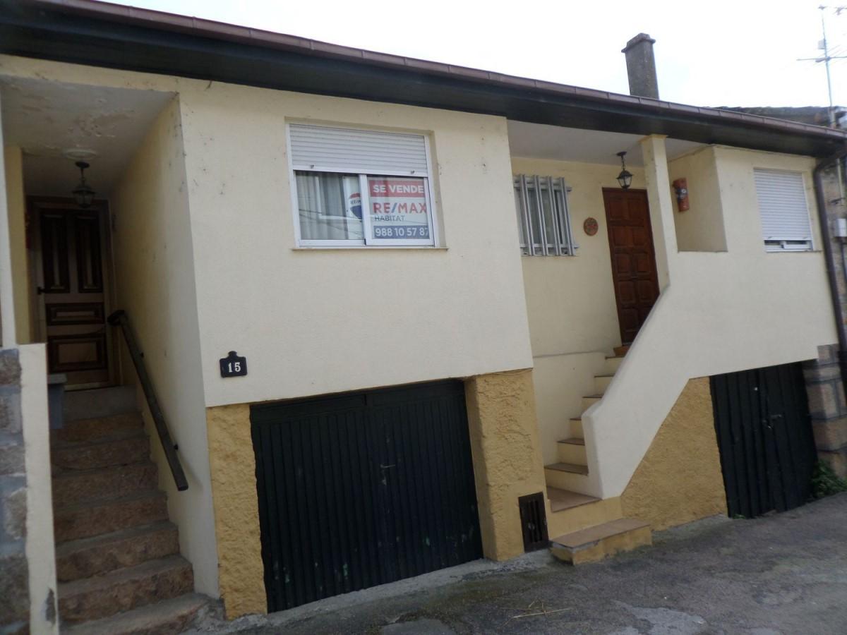 Casa Rural en Venta en  Ourense