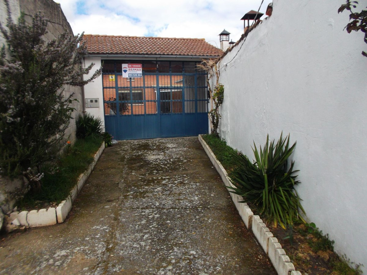 Chalet en Venta en  Traspinedo