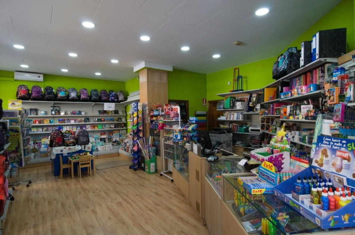 Retail premises  For Rent in  Torrent