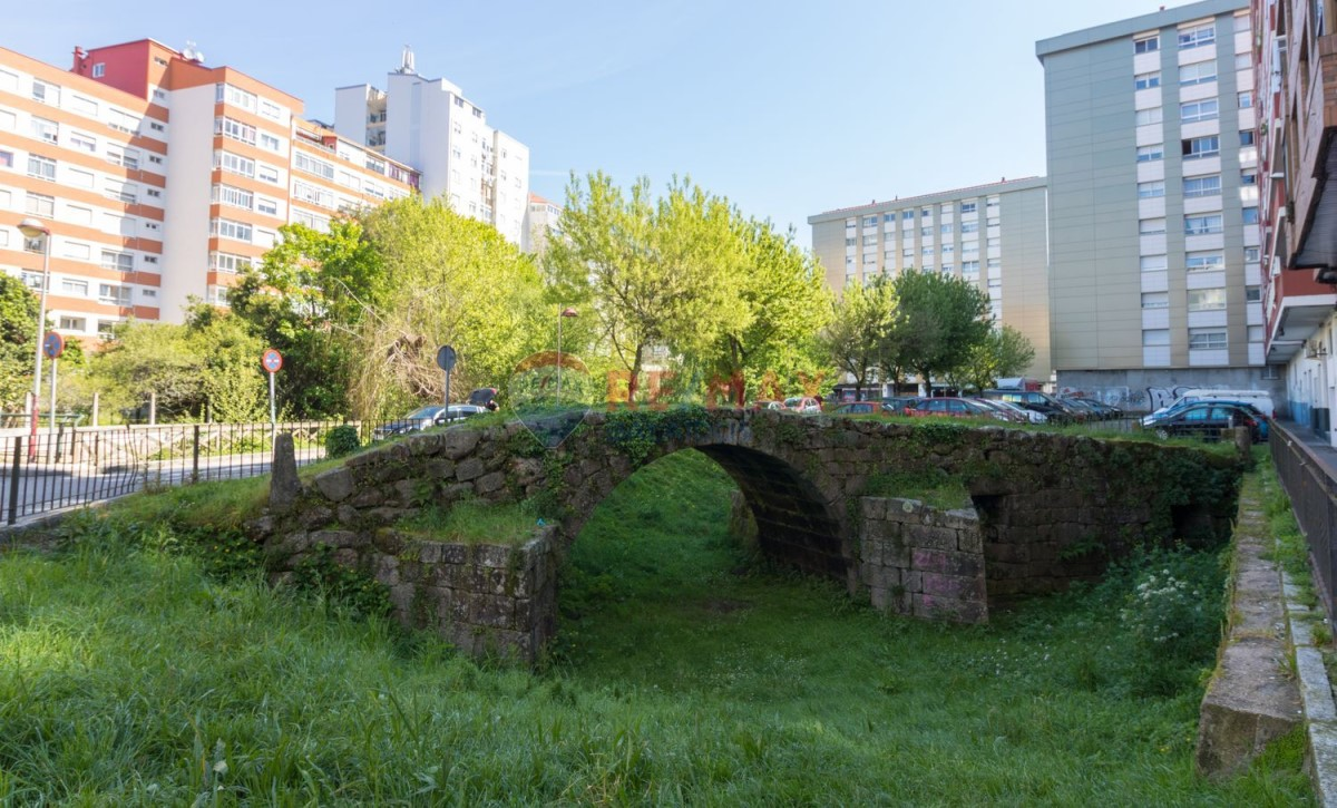 Apartment  For Sale in Casco Viejo - Berbes, Vigo