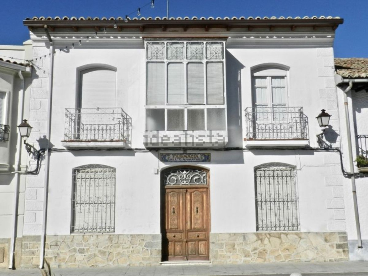 House  For Sale in  Navamorcuende