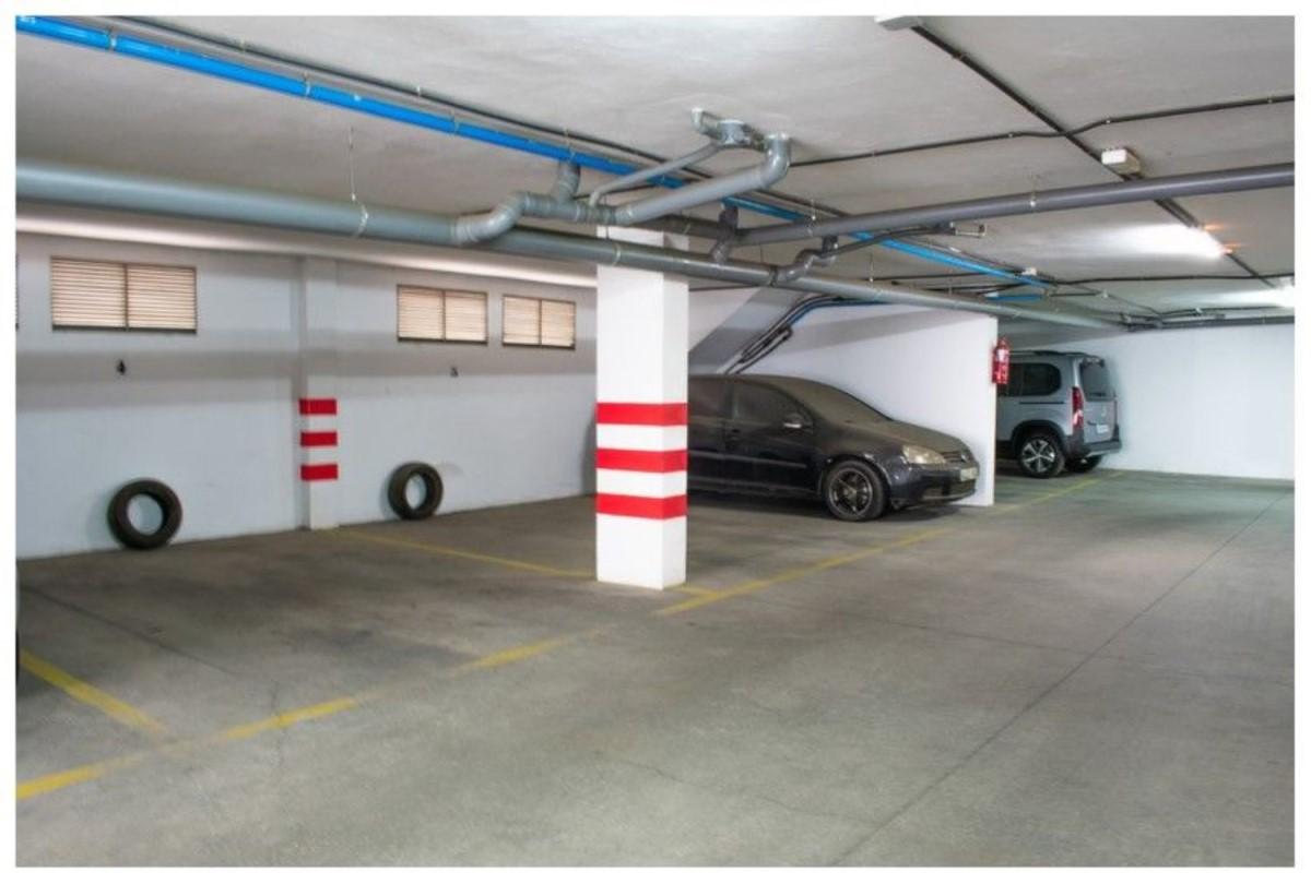 Garaje en Venta en  Teror