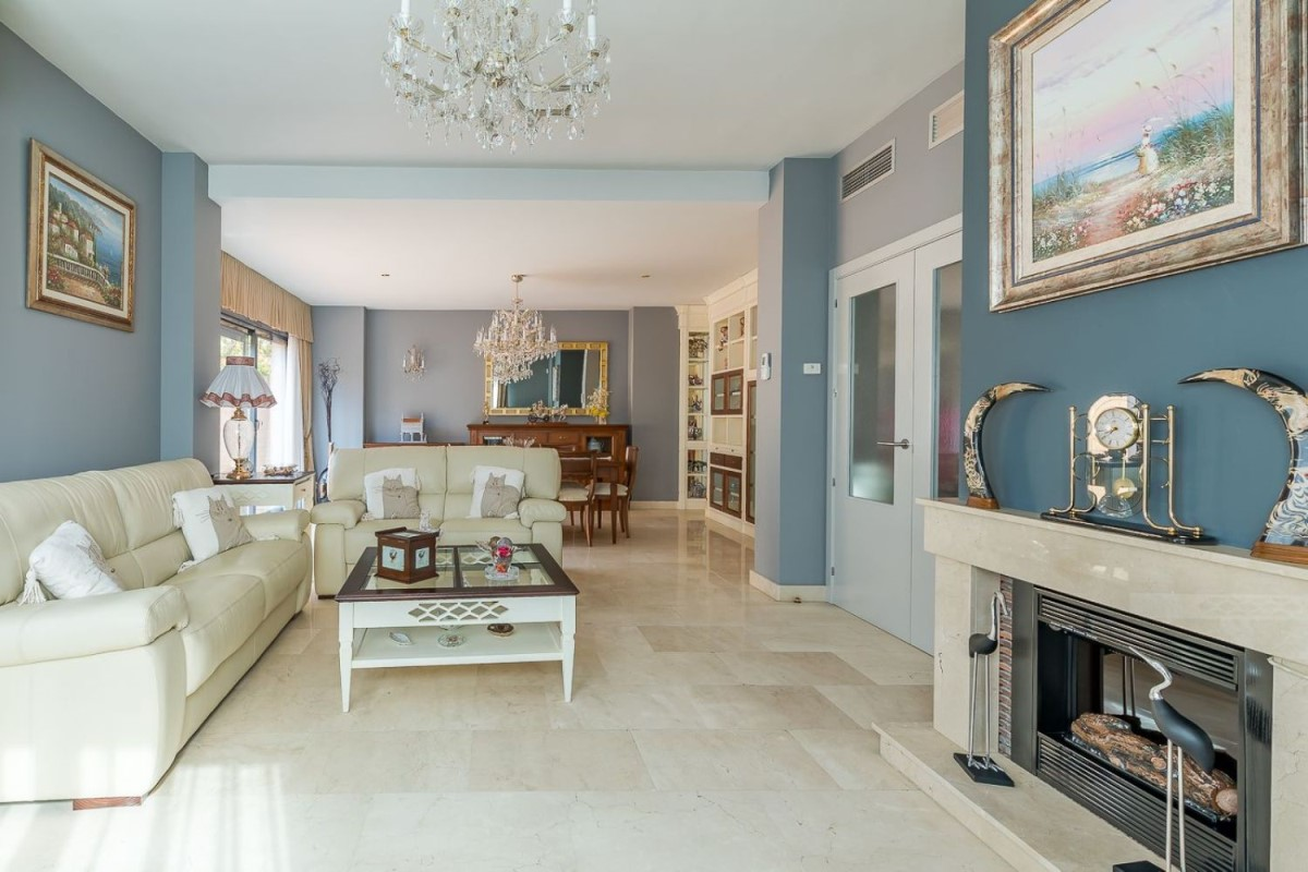 Terraced House  For Sale in Fuencarral, Madrid