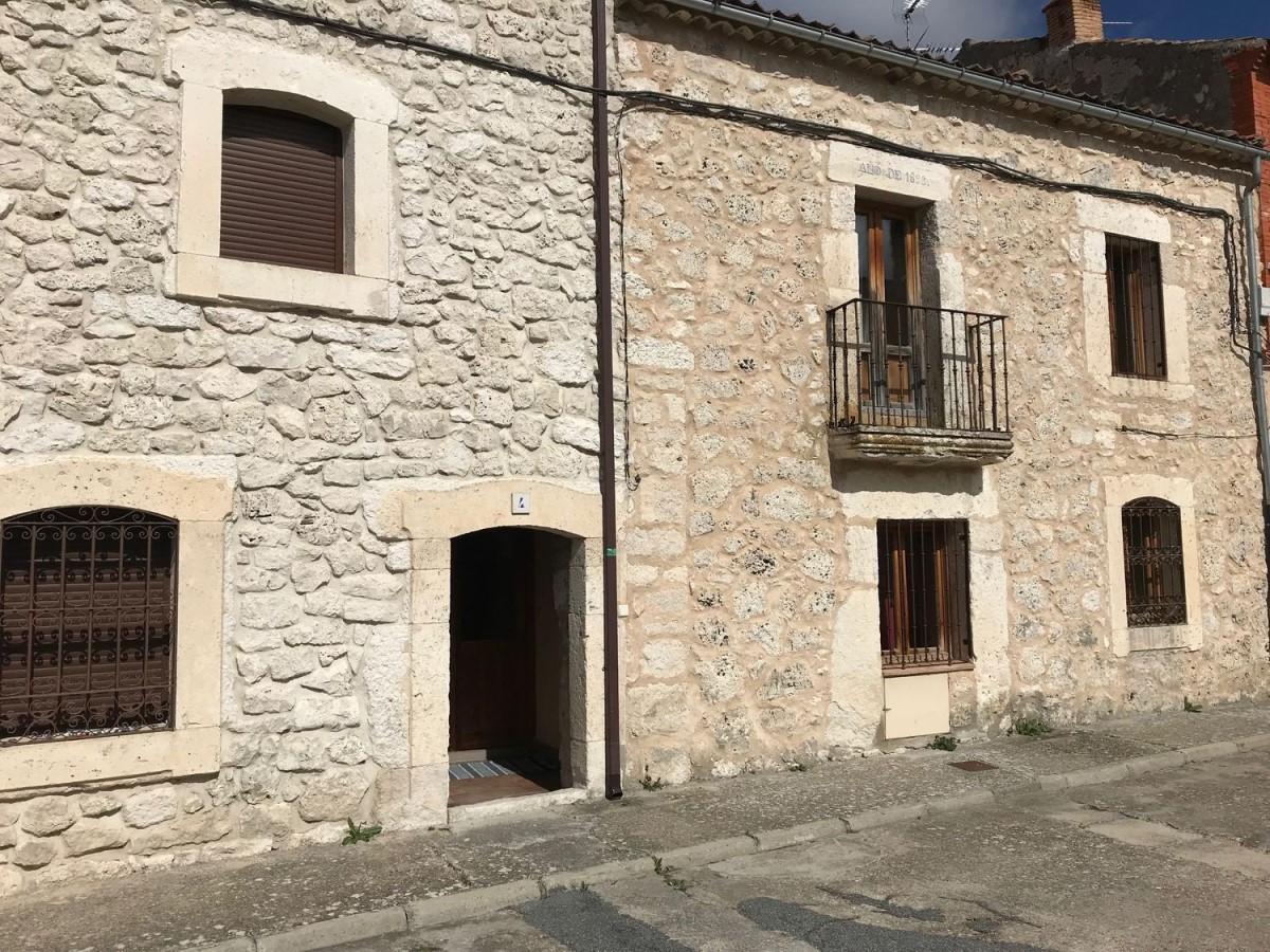 Chalet Adosado en Venta en  Cozuelos de Fuentidueña