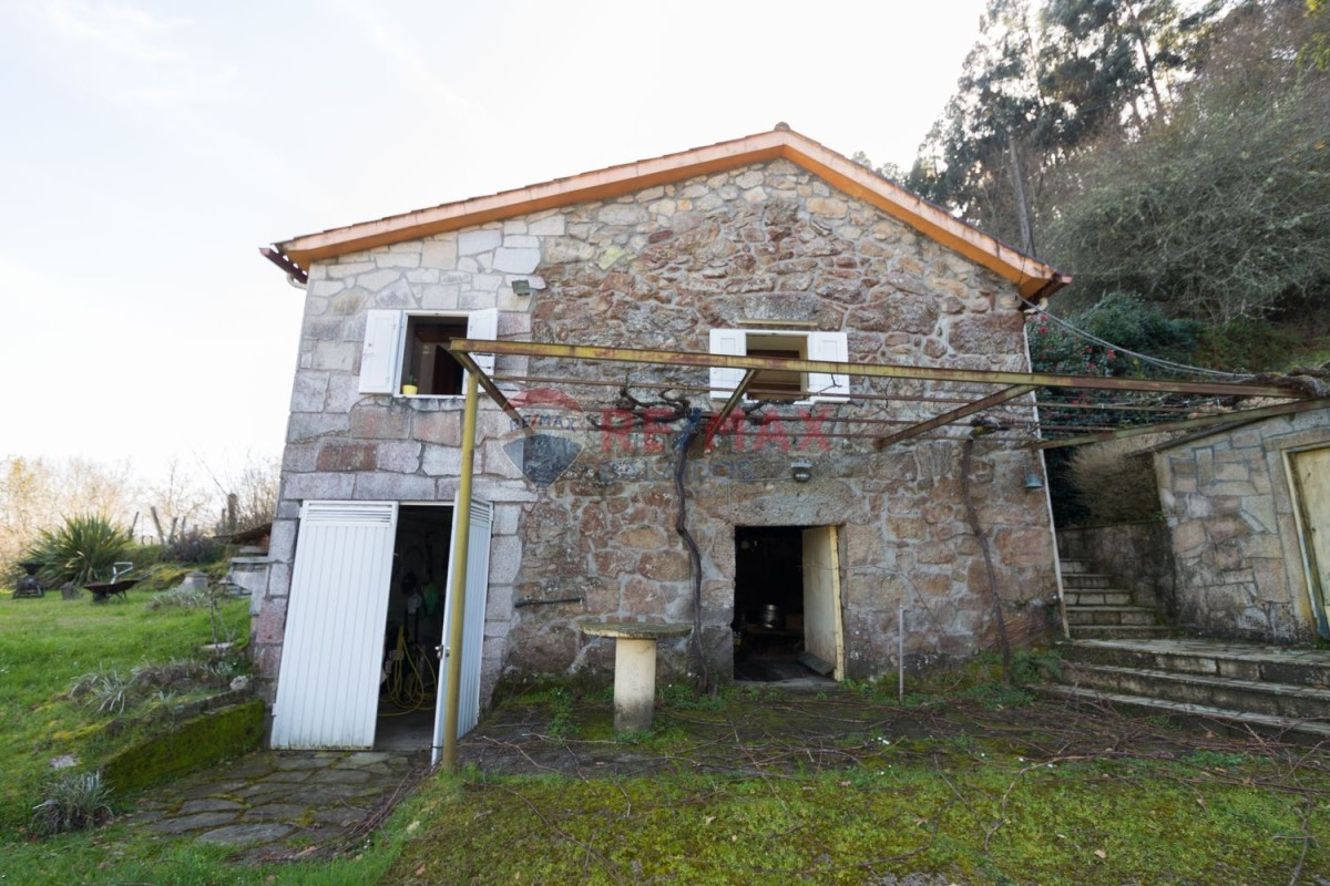 House of Character  For Sale in  A Cañiza
