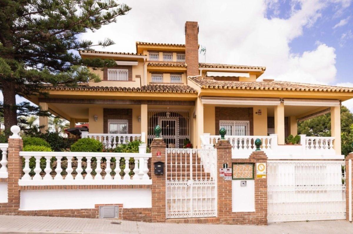 Chalet en Venta en Playamar, Torremolinos
