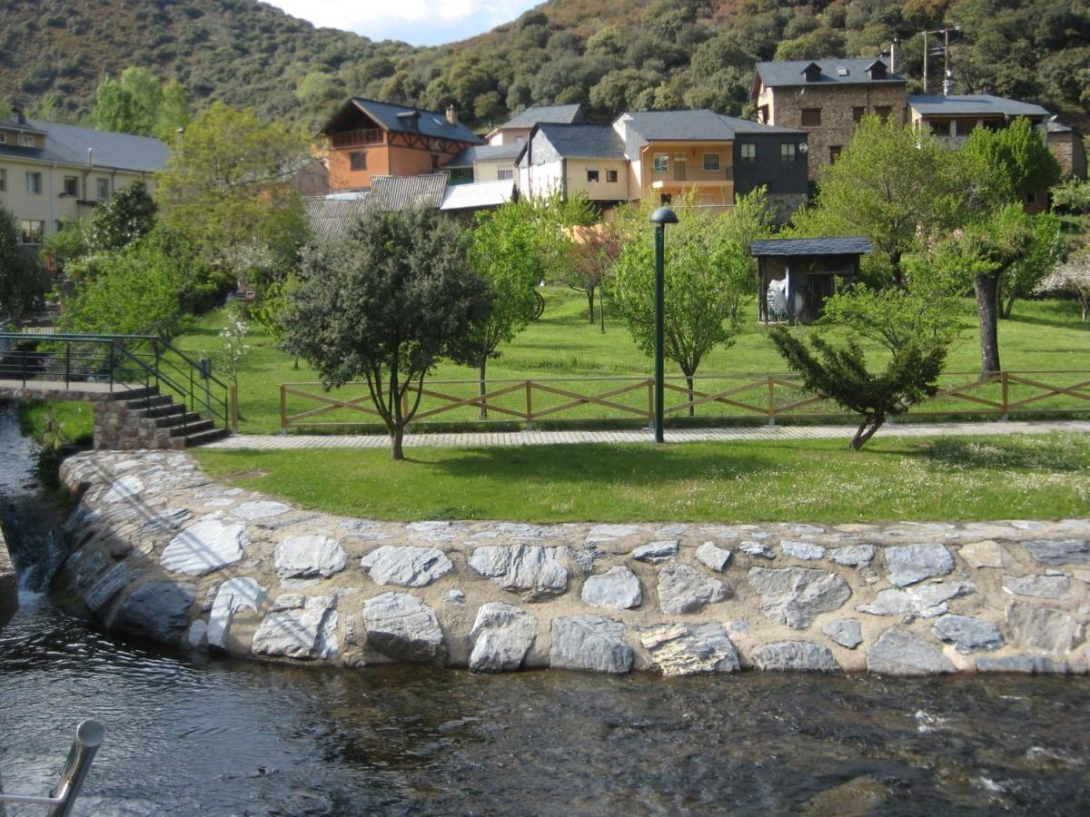 Casa Rural en Venta en  Torre del Bierzo