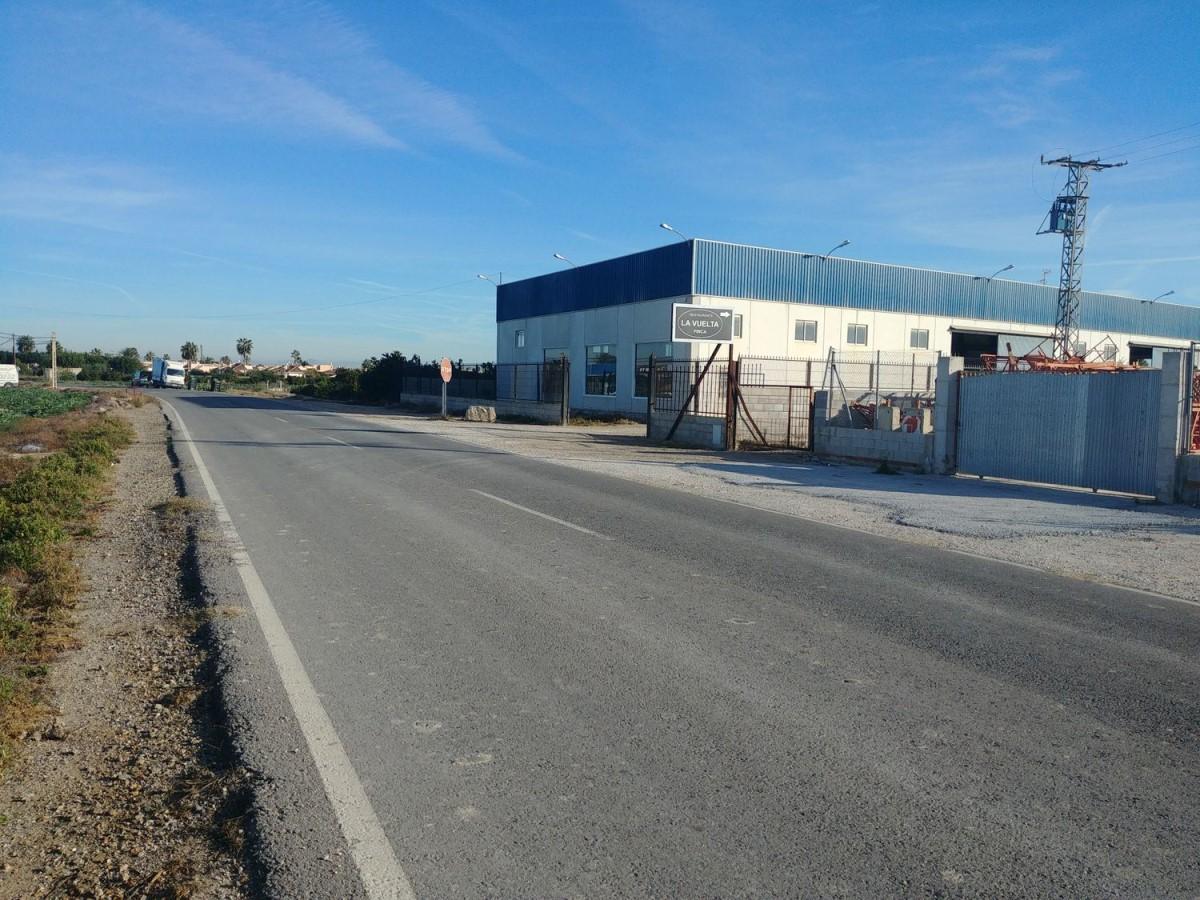 Urban lot  For Sale in  Daya Vieja