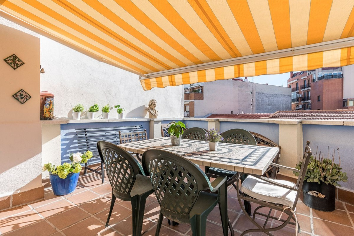 Penthouse  For Sale in Salamanca, Madrid