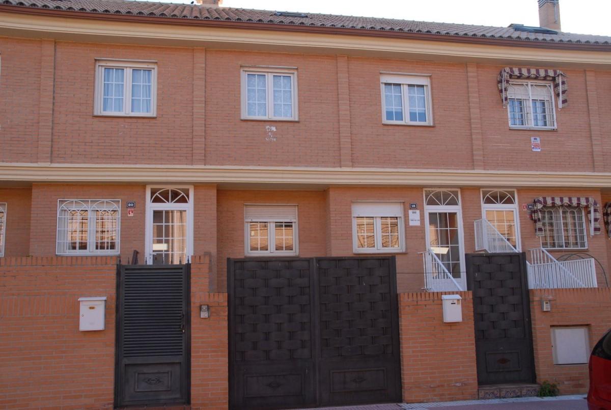 Chalet Adosado en Venta en  Alcalá de Henares