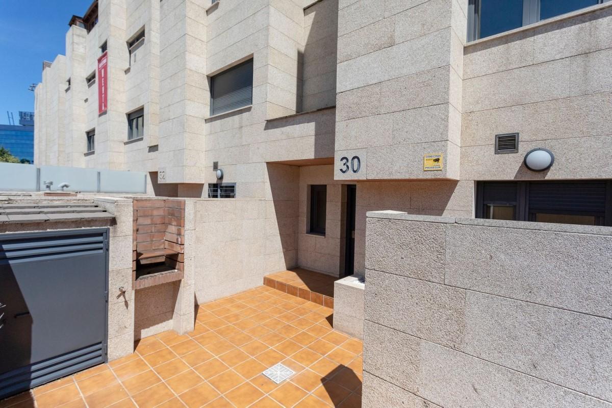 Chalet Adosado en Venta en San Blas, Madrid
