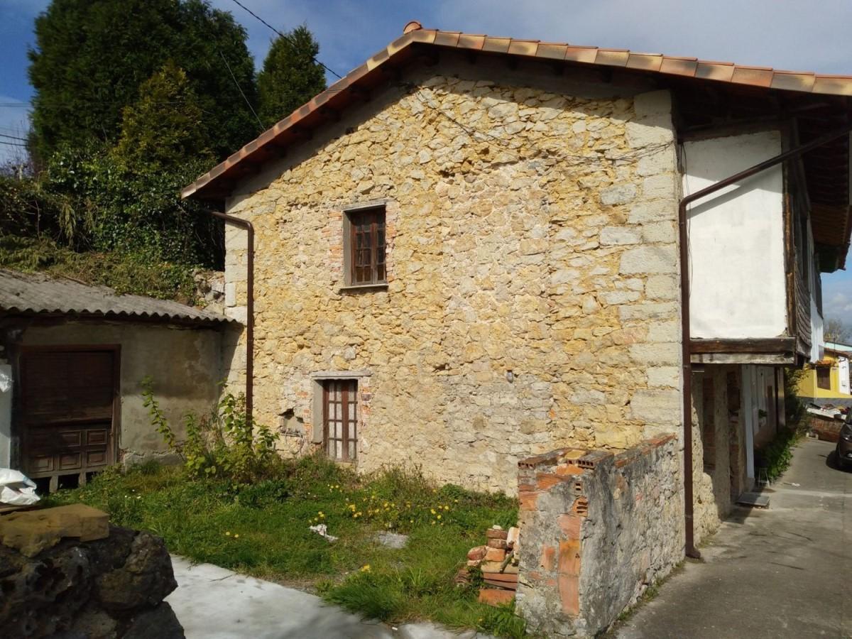Casa Rural en Venta en  Oviedo