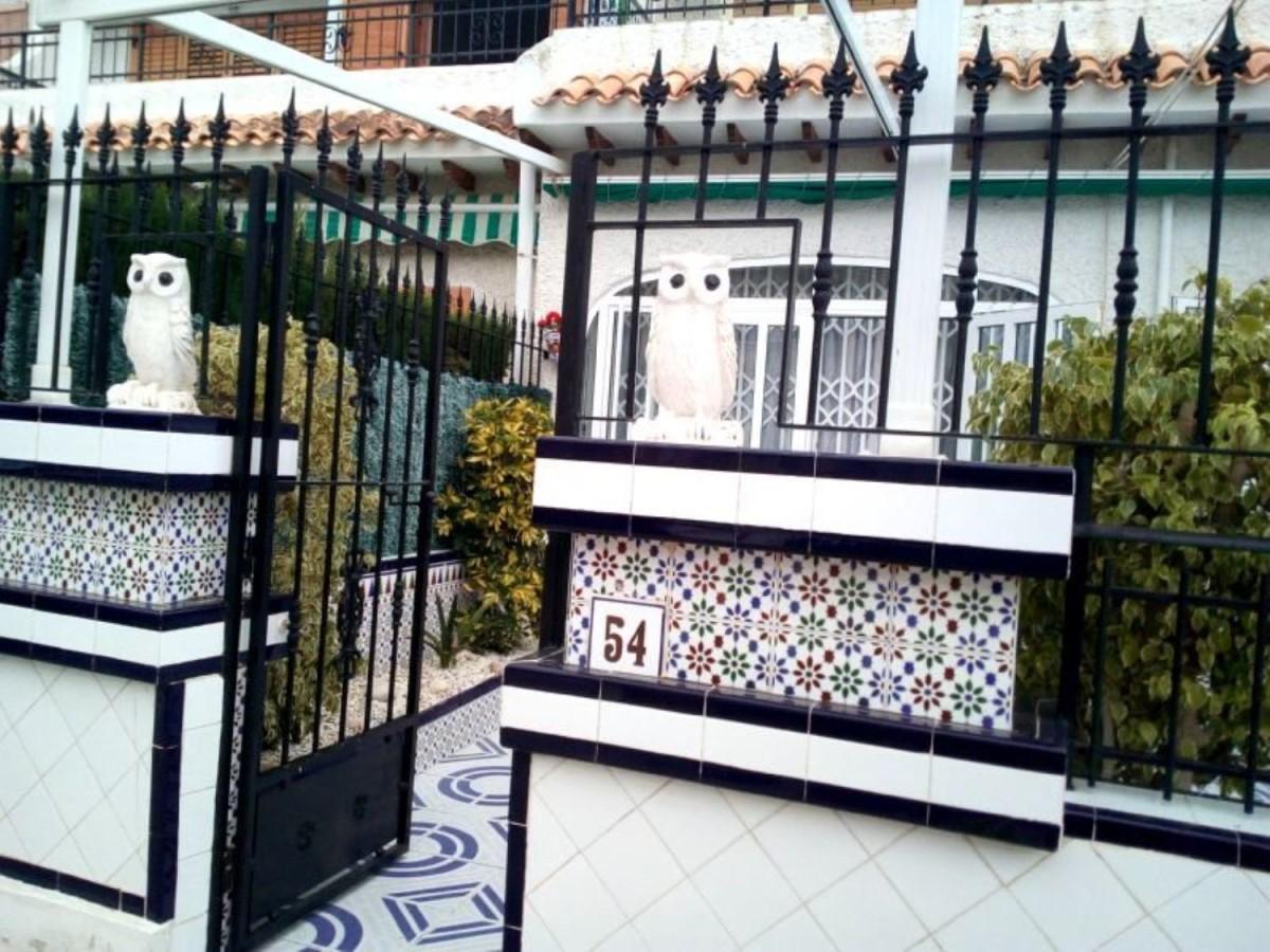 Chalet Adosado en Venta en  Santa Pola