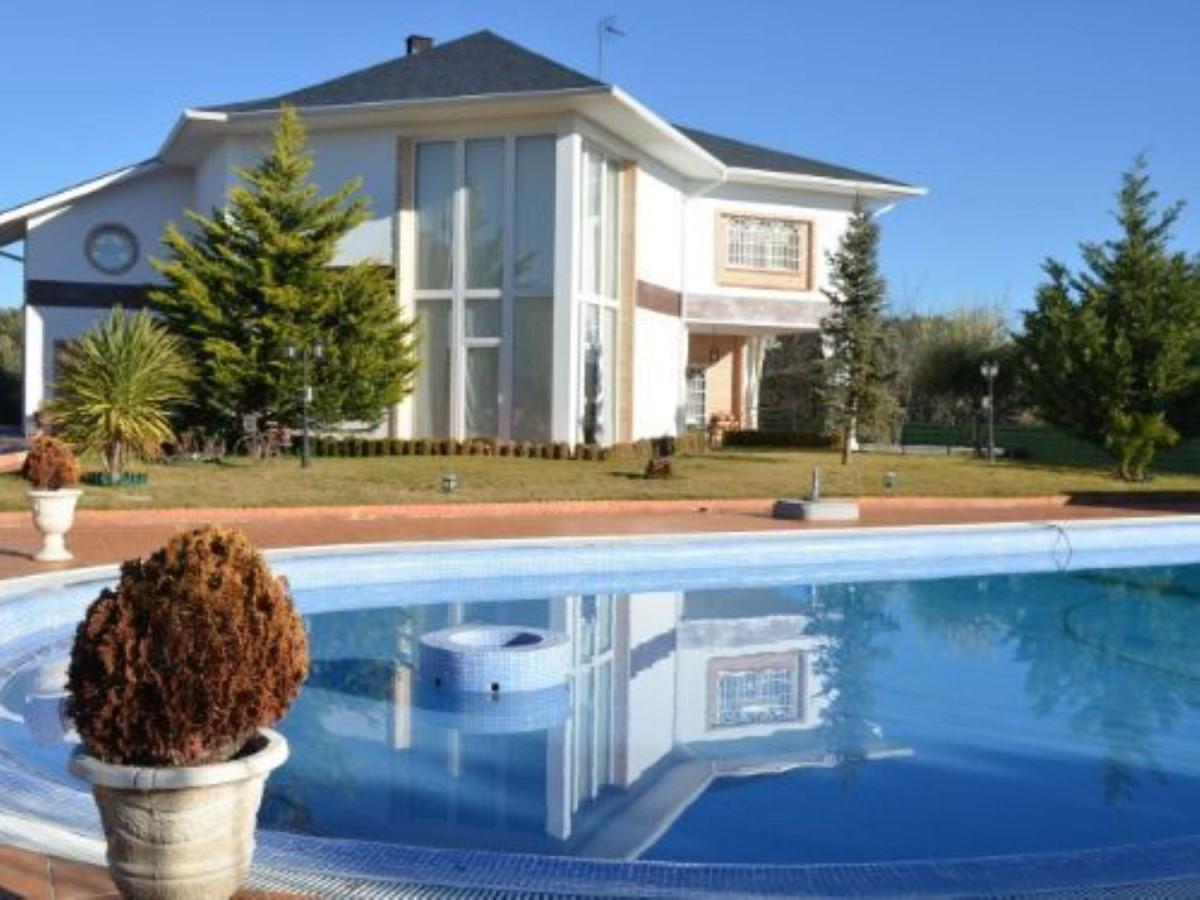 House  For Sale in  Escorial, El