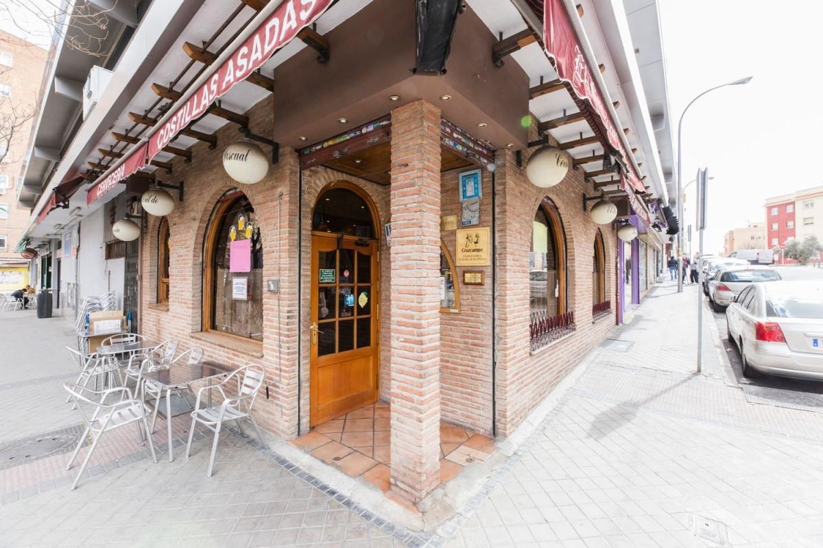 Retail premises  For Sale in Ciudad Lineal, Madrid