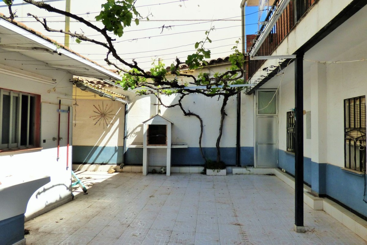 House of Character  For Sale in  Navalmorales, Los