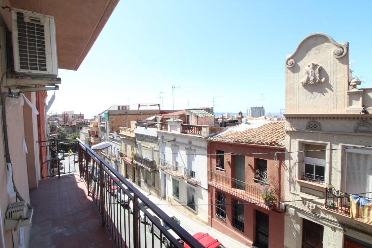 Apartment  For Sale in Horta-Guinardó, Barcelona